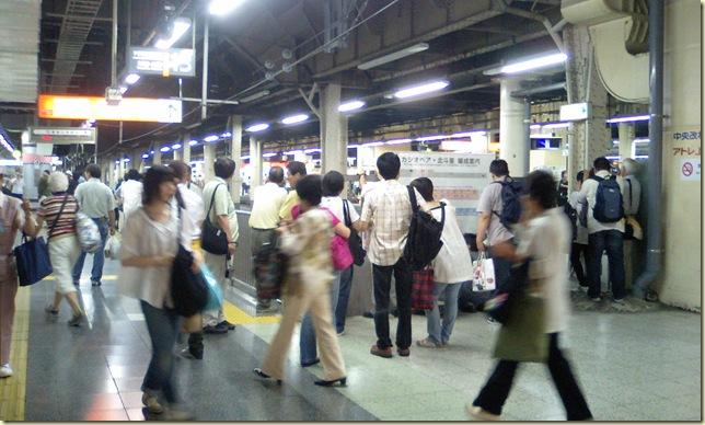 そのときの上野駅13番線の様子